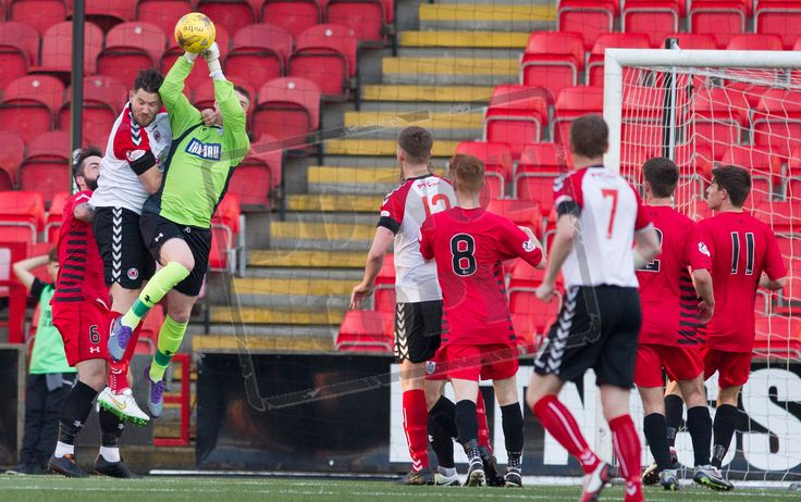 Queen's Park's keeper Wullie Muir cuts out the cross during the SPFL League One play-off game between Clyde and Queen's Park.