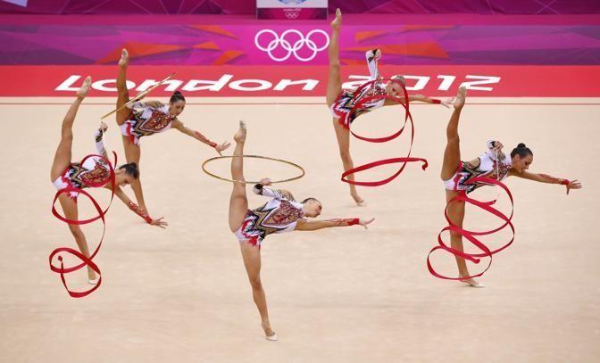 """Olimpiadi 2012 - Le """"farfalle"""" della ginnastica ritmica agguantano il bronzo (Reuters/Blake)"""