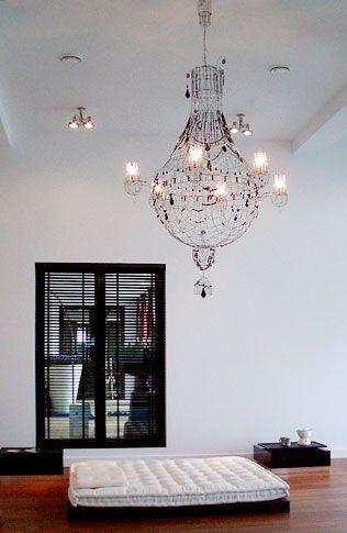 Lustres, bougeoirs, appliques et sculptures de fil de fer dans des intérieurs design - Marie Christophe