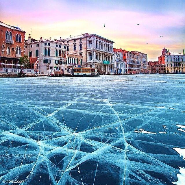 Les canaux vénitiens gelés Photo