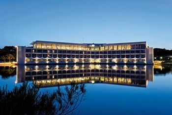 Location Hyères les Palmiers Vacances Bleues, promo séjour  l'Hôtel Club Plein Sud 3* prix promo Vacances Bleues à partir 350.00 €