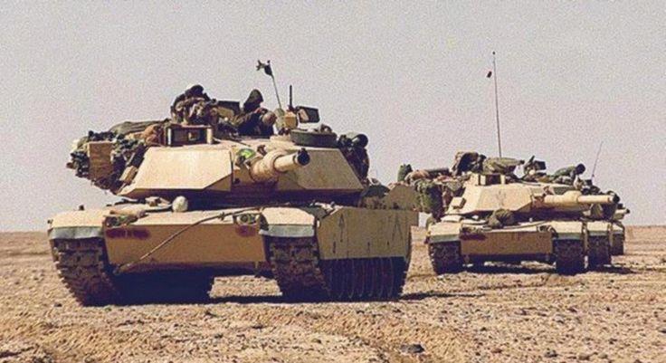 M1A1 Abrams MBT distribuito nei deserti dell'Arabia Saudita o in Iraq, 1991.