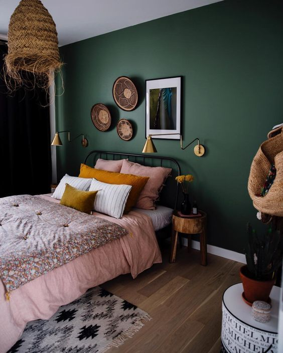 2019 - Fine Deco Chambre Kaki Et Beige that you must know, You?re in good company if you?re looking for Deco Chambre Kaki Et Beige Green Bedroom Walls, Green Bedroom Decor, Cozy Bedroom, Bedroom Bed, Green Bedroom Colors, Green Master Bedroom, Dark Green Rooms, Bedroom Ideas, Colourful Bedroom