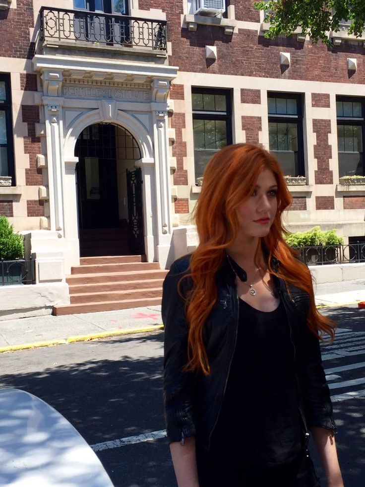 We're taking Clary back to the Berkeley Carroll School! #TMI @ShadowhuntersTV @Kat_McNamara