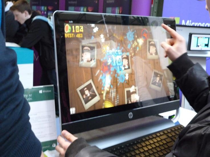 Érintőképernyős HD Windows8 comaptibily montior. http://www.hunworld.com/