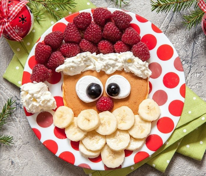 Christmas morning is something every kid looks forward to, and a fun holiday themed breakfast is the perfect way to make it special! Here are over 15 easy, fun and creative Christmas breakfast recipes everyone will love!
