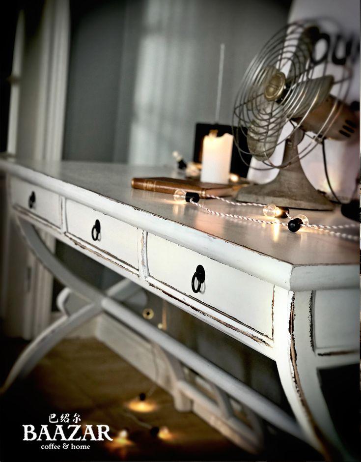 Skrivbord med lådor H-224, vit – Baazar