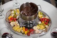 COSA SI MANGIA DOMANI ?: LA Fonduta Di Cioccolato E Frutta