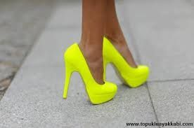 yüksek topuklu ayakkabı sarı ile ilgili görsel sonucu