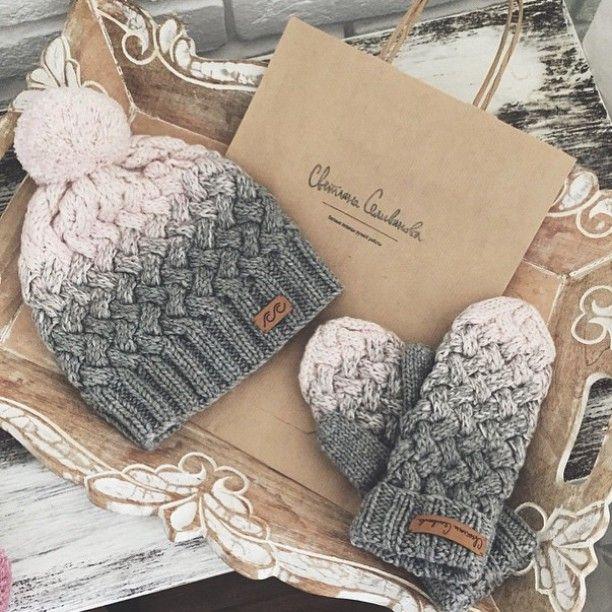 meet @svetlanaselivanova : mama knitter from russia. we love her ombre hats and mittens ❄️ - neatknitting
