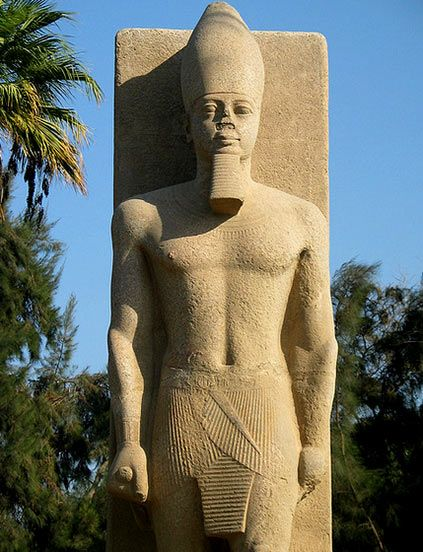 432px-552px-RamseII ممفيس-Egypt.jpg Ramses II, Memphis, Egypt