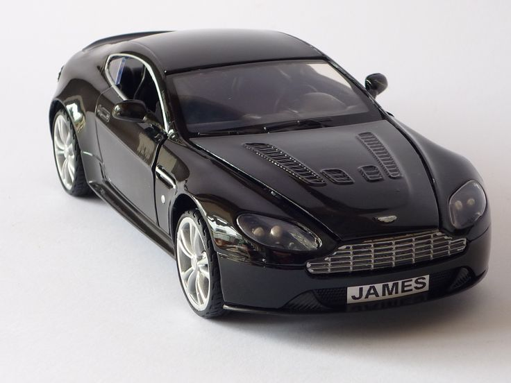 Personalised Plate large 1/24 Black Aston Martin V12 Vantage