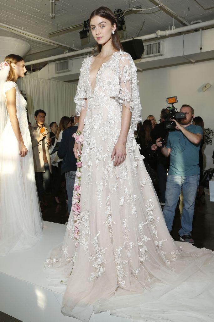 Noiva de Evasê | Blog de Casamento » Blog Archive » NY Bridal Fashion Week Outono 2017 | Vestidos de Noiva Marchesa