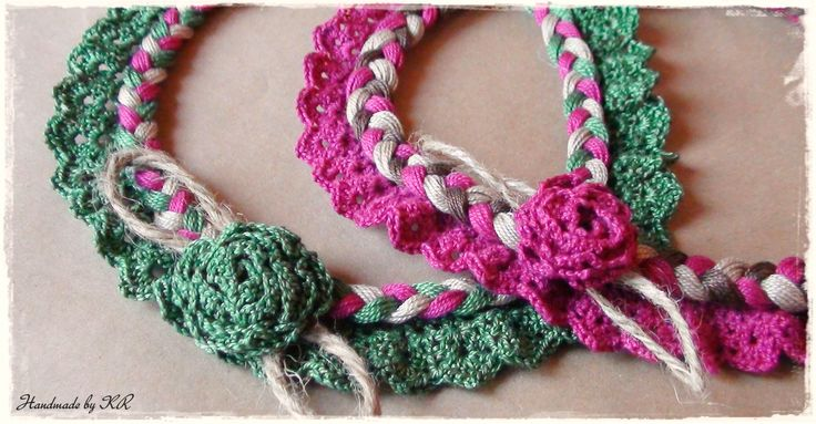 Crochet vintage necklace with flower in cotton yarn and canvas twine...perfect for the summer!!!! handmade by KR!!!