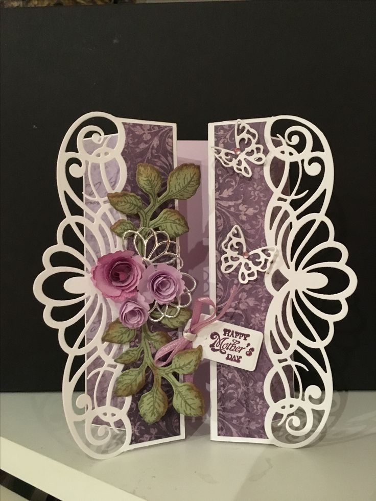 Heartfelt Creations Regal Borders and Pockets HCH1-779, Die-namics Mini Royal Rose, Heartfelt Creations Open Leaf HCPC3545 and Classic Leaf HCD736, Memory Box Crisp Bows # 98197.