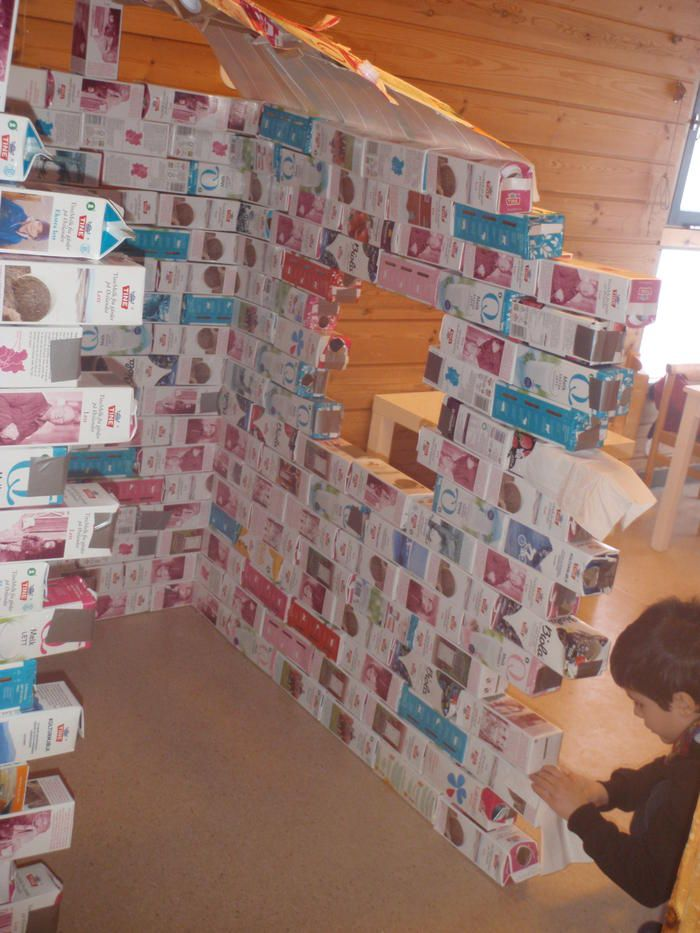 Lissomskogen barnehage : PROSJEKT MELKEKARTONG-HUS jus boxes house tent