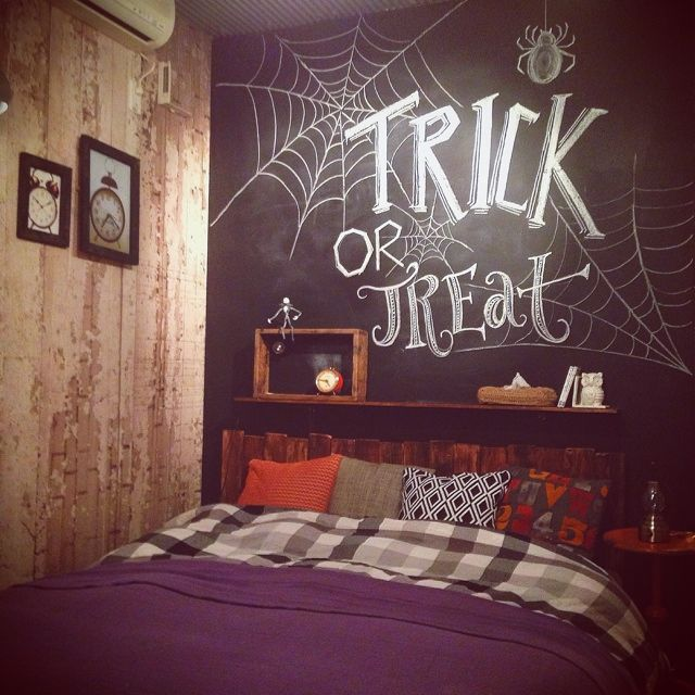 popさんの、秋インテリア,寝室,黒板,ブラックボード,ハロウィン,pinterest活用,ベッド周り,のお部屋写真