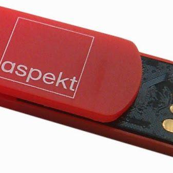 Niesamowicie praktyczna pamięć USB w kształcie spinacza. Świetnie trzyma się dokumentów lub wygląda wpięta w kieszeń koszuli. http://elektronika-reklamowa.eu/pl/spinacz/721-pendrive-slim-spinacz-plastikowy-psmsz097.html #elektronikareklamowa   #pendrive #zlogo #reklamowy #gadżet