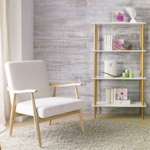 Lenestol modell RISØR.  www.mirame.no #lenestol #stol #stue #gang #innredning #møbler #norskehjem #mirame #pris  #interior #interiør #design #nordiskehjem #vakrehjem #nordiskdesign  #oslo #norge #norsk  #bilde #speilbilde #tre #natur #rom123 #risør #nyhet #chair #nordicdesign