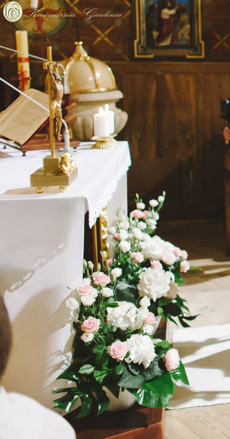wedding church flower arrangements