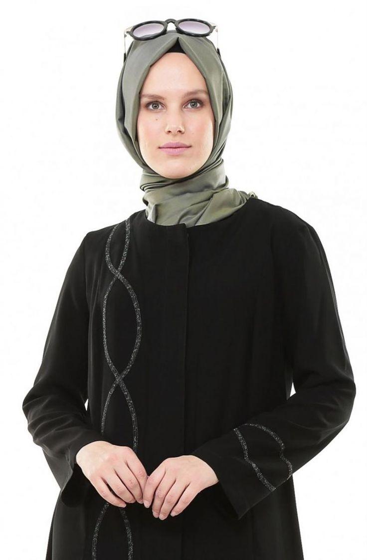 """Simferace İşlemeli-Siyah Yeşil 6047-2-0121 Sitemize """"Simferace İşlemeli-Siyah Yeşil 6047-2-0121"""" tesettür elbise eklenmiştir. https://www.yenitesetturmodelleri.com/yeni-tesettur-modelleri-simferace-islemeli-siyah-yesil-6047-2-0121/"""