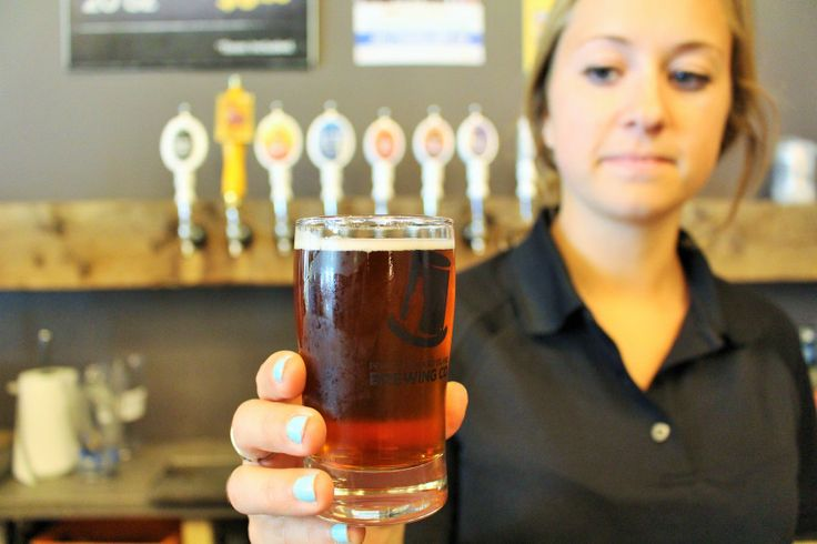 Cervejaria Ilha do Príncipe Eduardo Brewing Company, Charlottetown, província marítima da Ilha do Príncipe Eduardo, Canadá. A cerveja local tem boa reputação, por causa da qualidade da água da ilha.