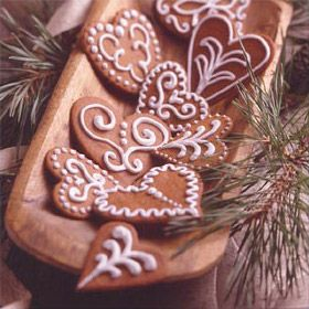 Here's a delicious Royal Icing recipe for decorating all your holiday cookies.