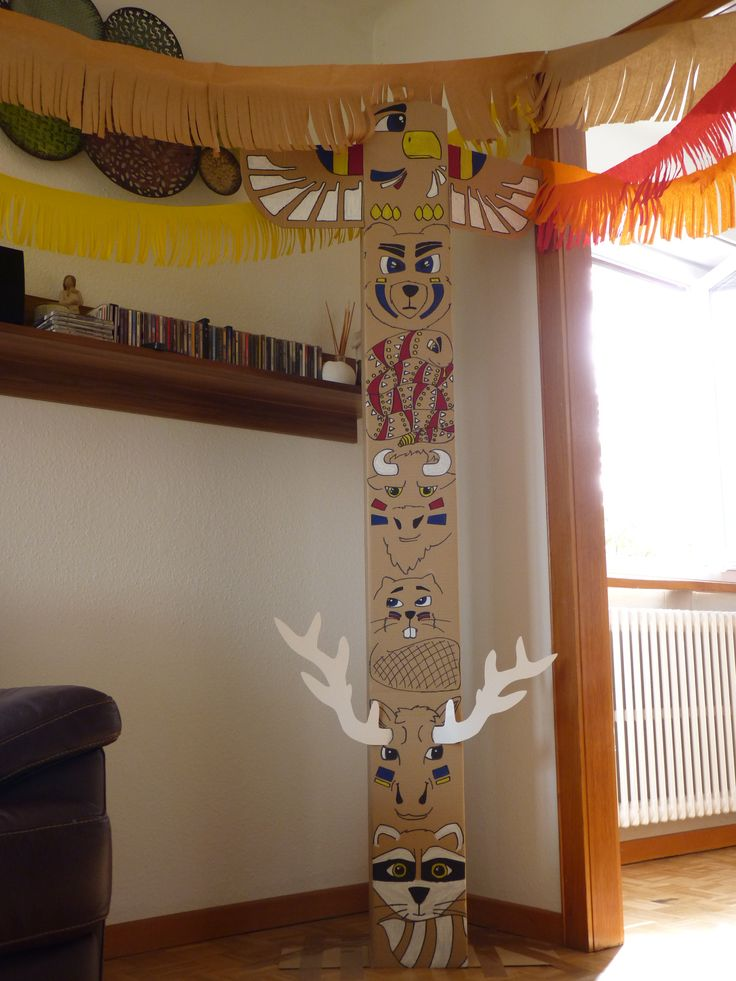 Totem pole, indian (native) birthday party.