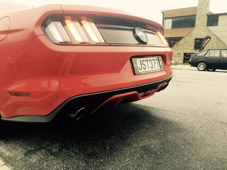 Mustang #dirty #sexy #V #twinexhaust #red