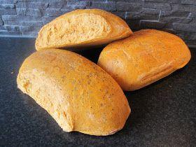 Receptet på detta brödet fick jag av kocken Magnus när jag jobbade på Tomarps Gårdshotell utanför Kristianstad för en himla massa år sedan....