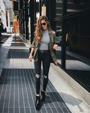 Jeans rasgado, jaqueta verde militar, ankle boot, look casual