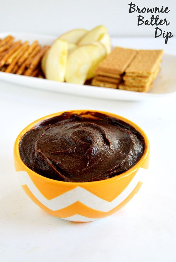Get all the taste of brownies with less effort with this easy and fantastic 5 ingredient brownie batter dip!