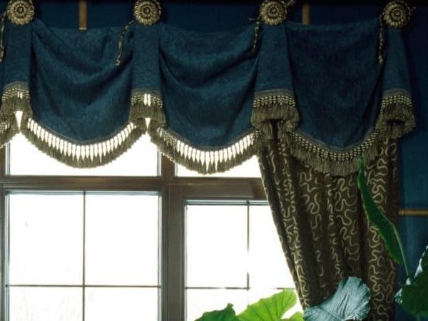 11 Different Styles Of Valances Explained Valance Different Styles Custom Valances