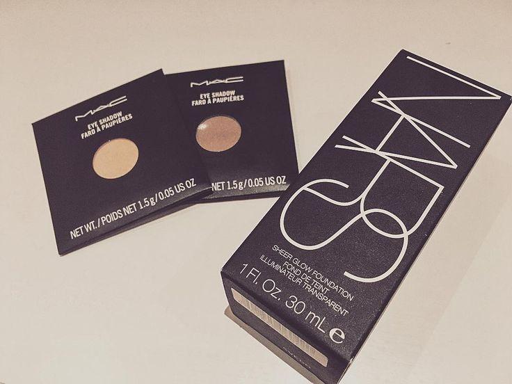 Can't stop buying neutral colours.  Cant wait to try @narsissist #sheerglow ☺️ #mac #nars #eyeshadow #foundation #nylon #patina #vsco #maccosmetics #beauty #motd
