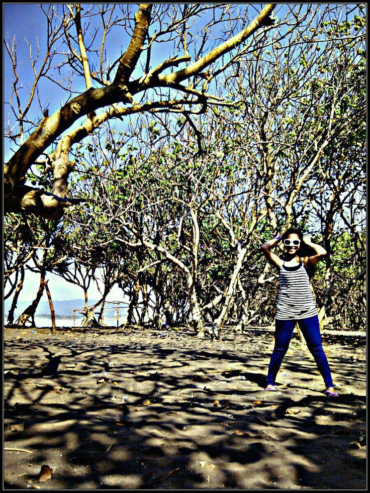 Pantai Watu Ulo di Jember, Jawa Timur