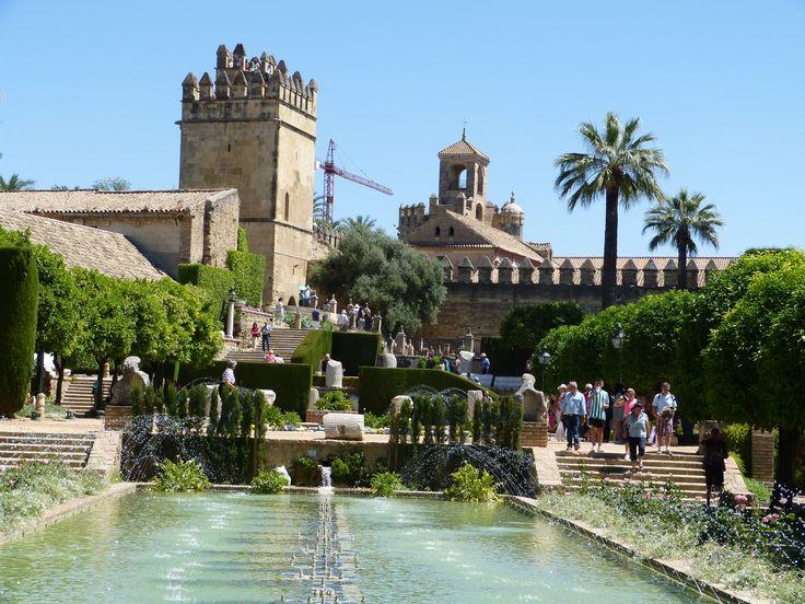 Jardins d'Alcazar à Cordoue en Andalousie http://www.carmen-cuisine.com/2015/06/alcazar-a-cordoue-andalousie.html