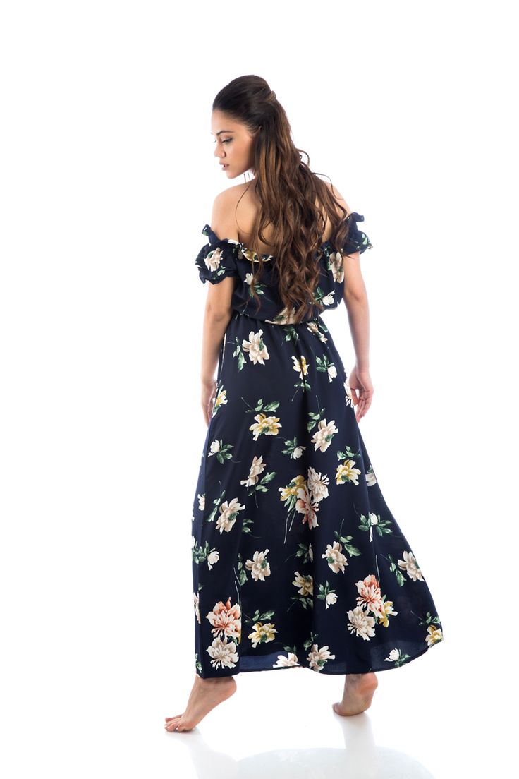 Maxi floral off shoulder dress. Neck, waist, sleeve gathering. Inner lining. 100% Polyester. https://www.modaboom.com/forema-maksi-me-akaluptous-omous-mple.html