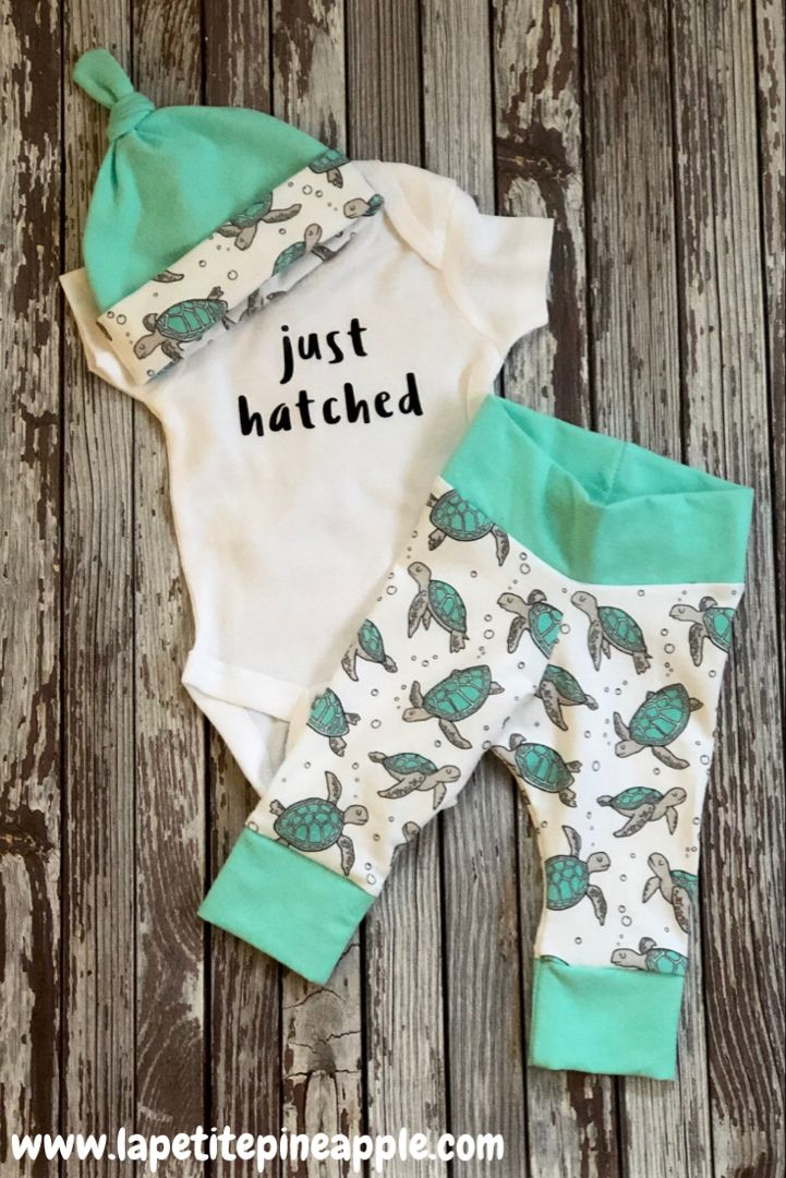 Turtle Newborn Outfit zum Mitnehmen – Baby