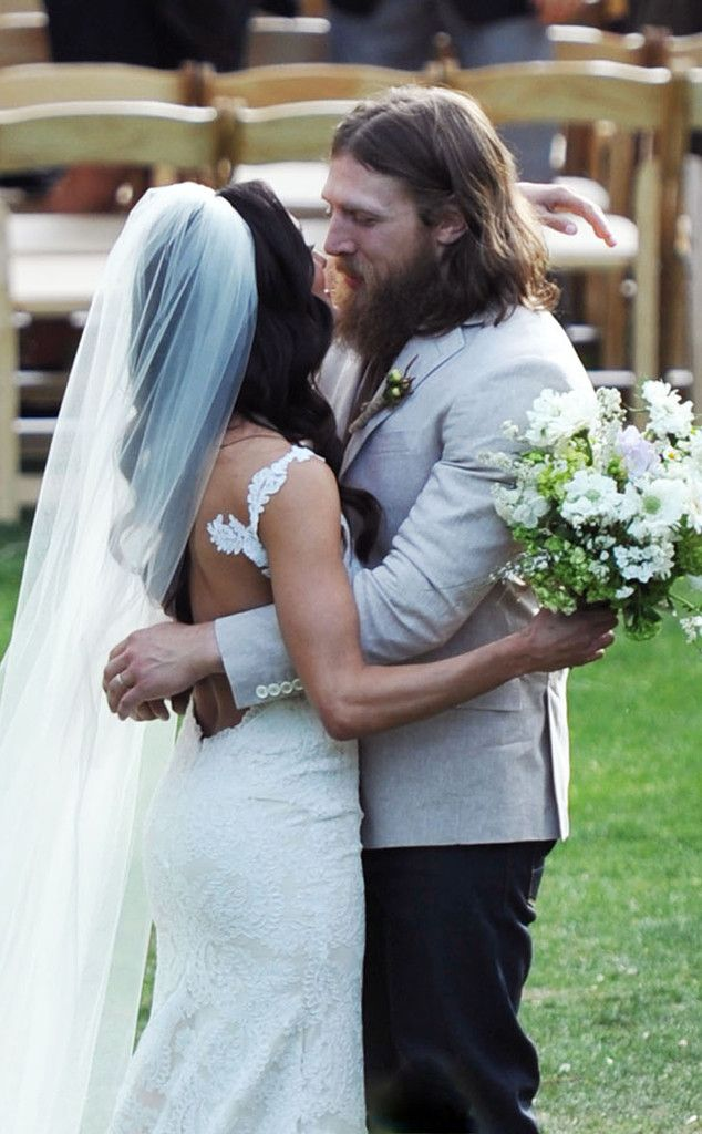 Brie Bella and WWE Superstar Daniel Bryan Are Married ❤️