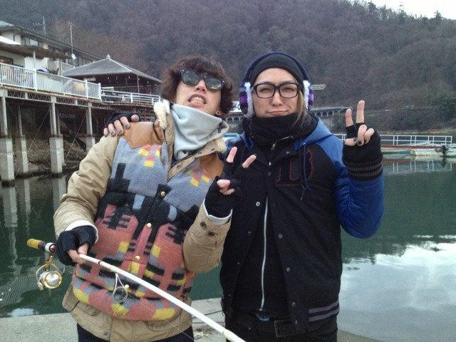 ONE OK ROCK (Taka and Tomoya <3) ---- Taka looks cute here.
