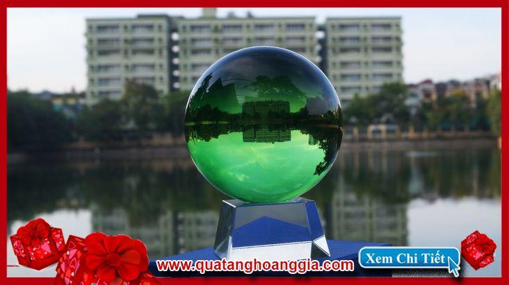 quả cầu pha lê xanh lam: