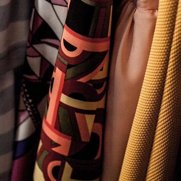 Des jolis tissus :-) Photo by @s_e_v_o_l #fashion #mode #madeinfrance #madeinnice #madewithlove #nice06 #vieuxnice #boutique #ruerossetti #ninatransfeldcouture