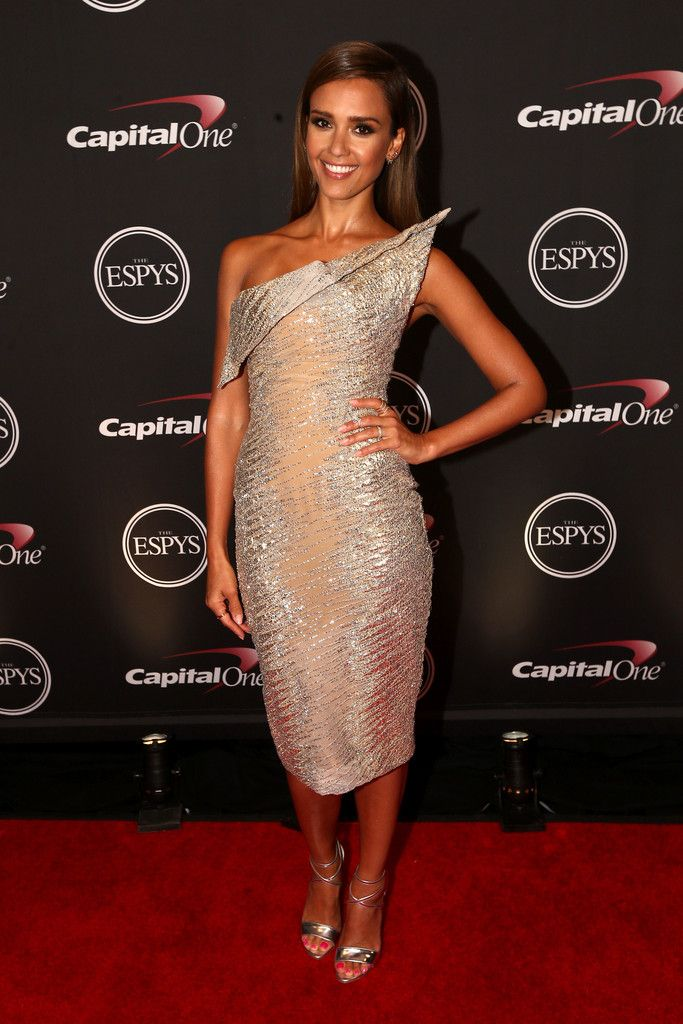 Jessica Alba in Elie Saab at the 2014 ESPY Awards // Best Dressed // Metallics
