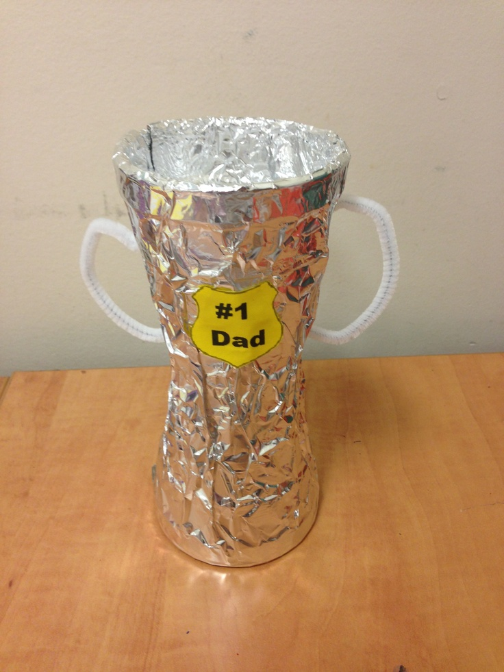 Preschool Father's Day Trophy Craft