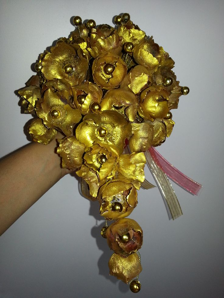 Traditional theme bouquet