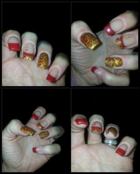 Unghie decorate natalizie rosso e oro