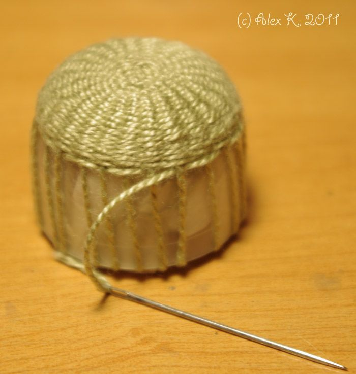 Making a basket - Russian (scroll about halfway down page, several other tutorials as well)