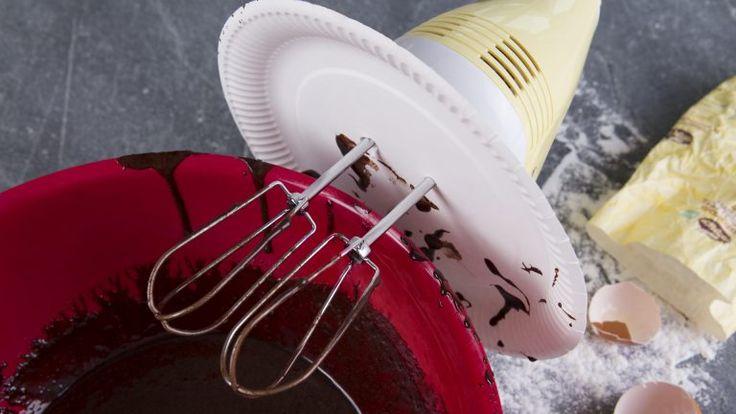 Pappteller als Spritzschutz