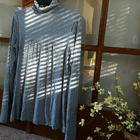 Personal Identity turtle neck top size M Pre-owned but it's in great condition. person identity  Tops