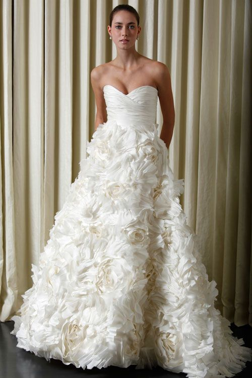 This is absolutely stunning. Monique Lhuillier. I wanna renew vows just so i can wear another gown!